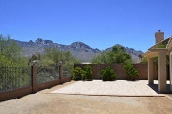 Oro Valley Home For Sale in Catalina Shadows