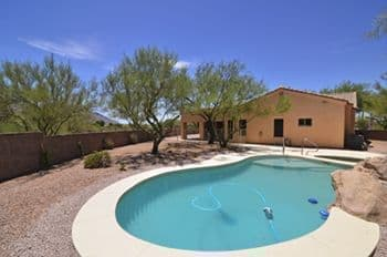 Oro Valley Home For sale with Mountain Views, Pool and Spa, and a Den